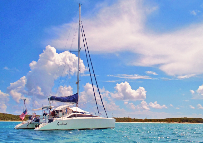 Catamaran FREEBIRD Sails the Bahamas, Exumas