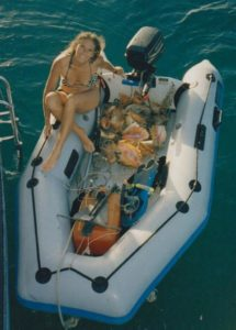 Children learn to free dive during their yachting holiday in the BVI