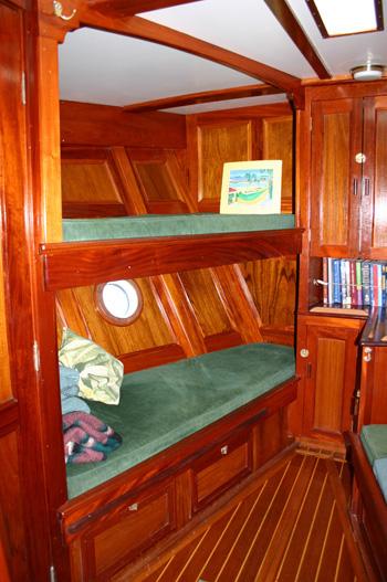 Bonnie Lynn Nicholson Yacht Charters